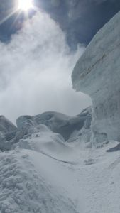 Cotopaxi, a way through the crevasse zone