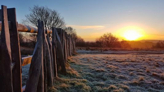 Sunrise on Cross Dyke on Walton Hill